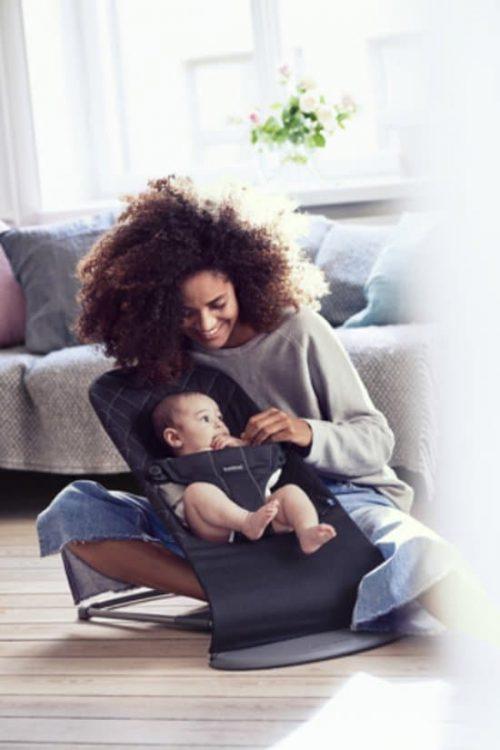 baby in wipstoel